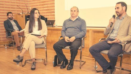 Moderando una mesa redonda en el evento 'Beyond Marketing talks'